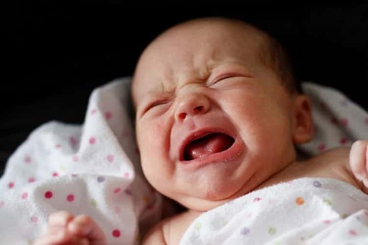 Le coliche nel neonato: come individuarle e sintomi