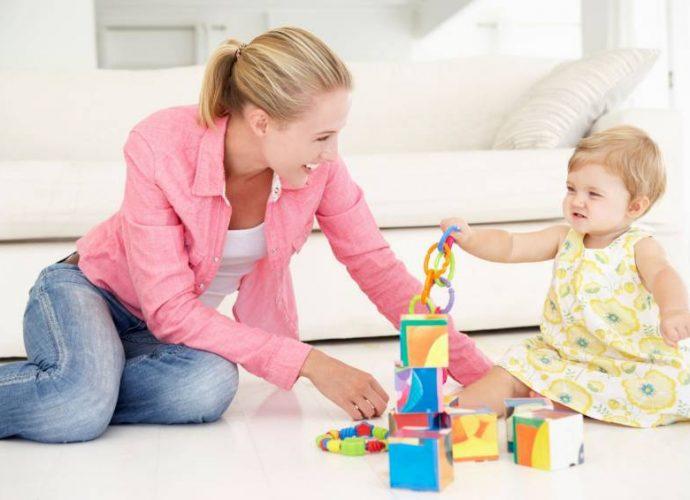Giochi da fare in casa per bambini dai 6 ai 12 mesi