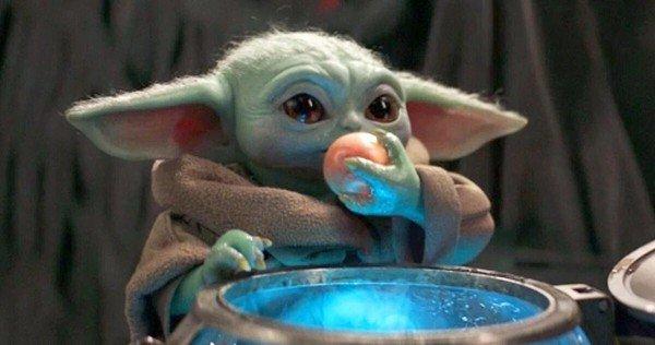 Baby Yoda mangia le uova
