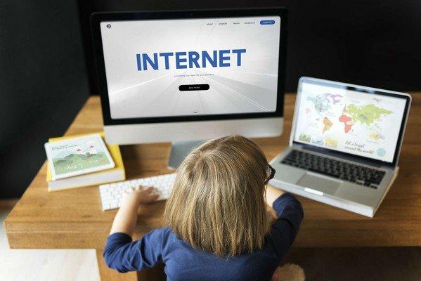 Bambini pericoli del web