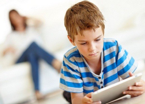 Danni ed effetti del tablet sui bambini