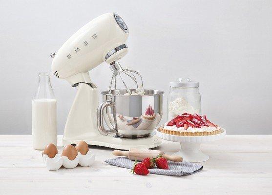 Smeg SMF03CREU robot da cucina