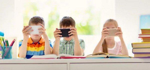 Primo cellulare per bambini come sceglierlo