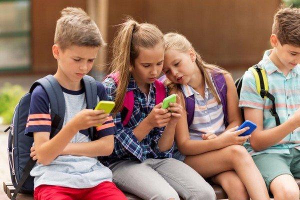 Primo cellulare per bambini